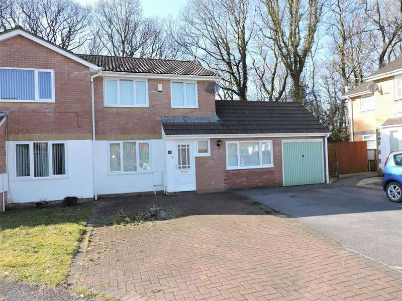 3 Bedrooms Semi Detached House for sale in Waun Gron, Rhydyfro