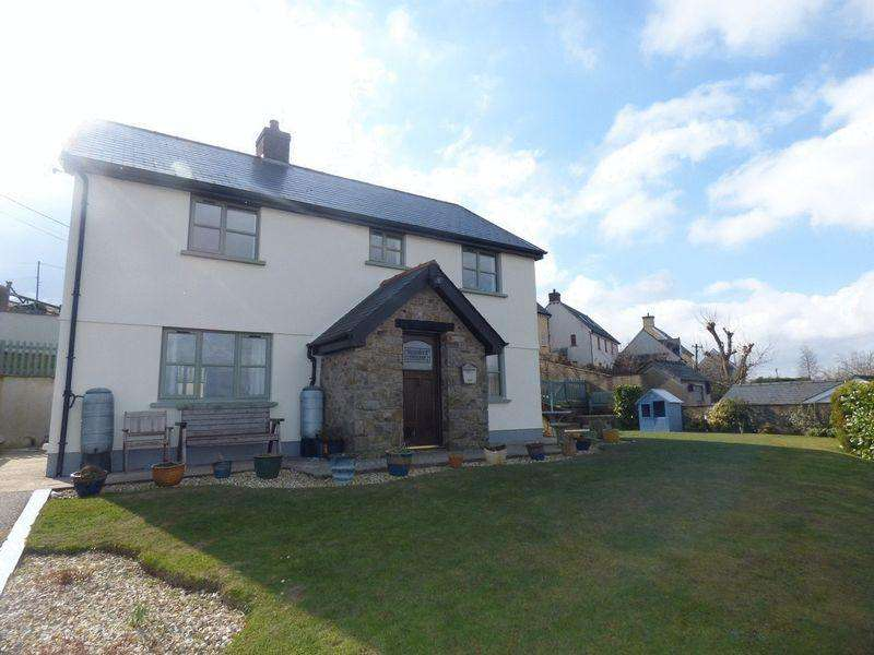 3 Bedrooms Detached House for sale in Bluebell Cottage, Llanelly Hill, NP7 0NR