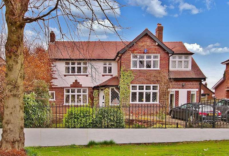 4 Bedrooms Detached House for sale in Stanneylands Road, Wilmslow