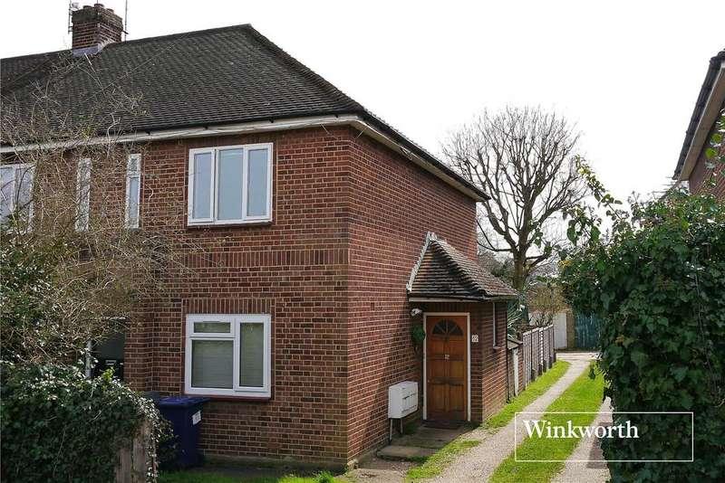 2 Bedrooms Maisonette Flat for sale in Amberley House, Warwick Road, New Barnet, Herts, EN5