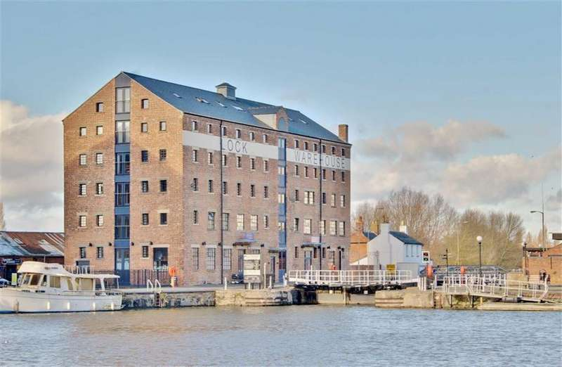 2 Bedrooms Apartment Flat for sale in Lock Warehouse, Gloucester