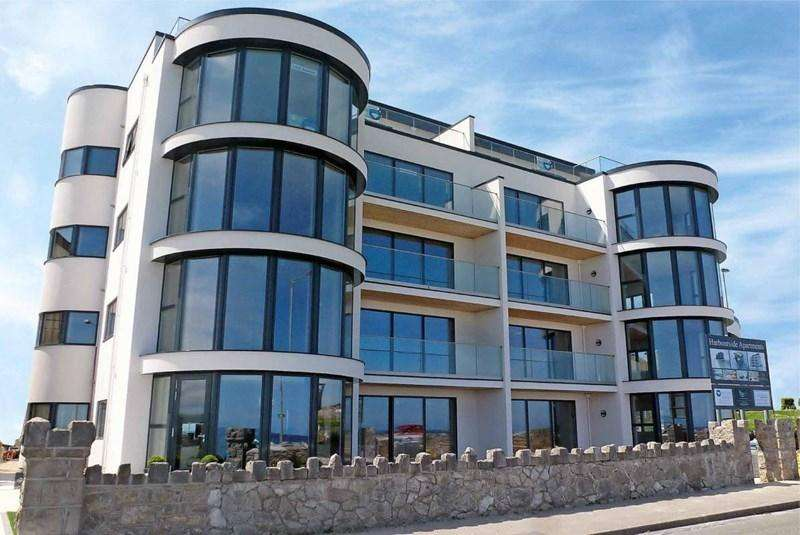 2 Bedrooms Apartment Flat for sale in Apt.5 West Wing Harbourside Apartments 35 Marine Drive, Rhos on Sea