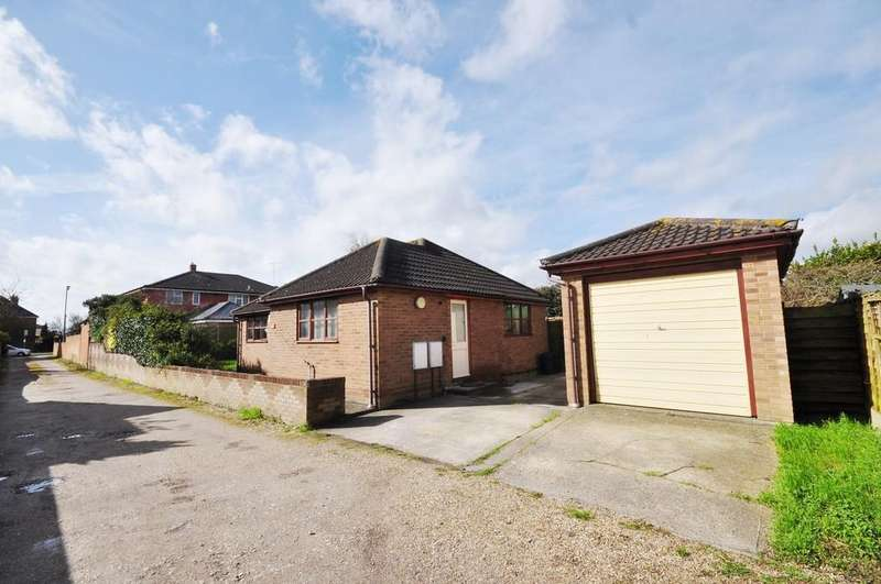2 Bedrooms Detached Bungalow for sale in Turner Road, Colchester, CO4 5LA