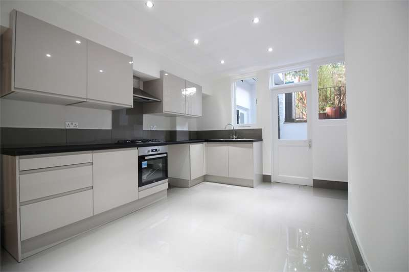 2 Bedrooms Flat for sale in Fairfield Road, Crouch End, London