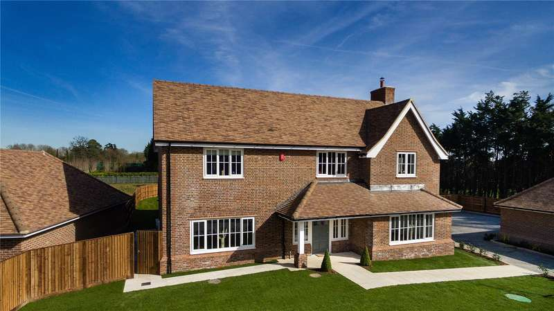 5 Bedrooms Detached House for sale in Crown Gardens, Crown Lane, Farnham Royal, Buckinghamshire, SL2