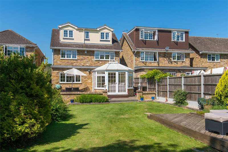 5 Bedrooms Detached House for sale in Rectory Chase, Doddinghurst, Brentwood, Essex