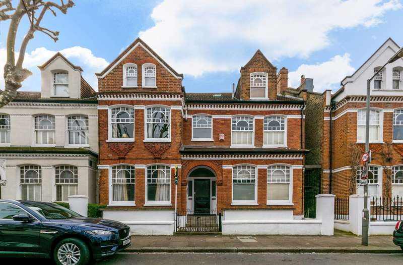 1 Bedroom Flat for sale in Dalebury Road, Tooting Bec, SW17