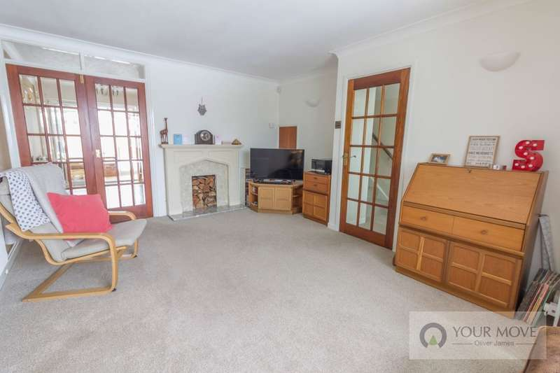 3 Bedrooms Property for sale in Gorleston Road, Lowestoft, NR32