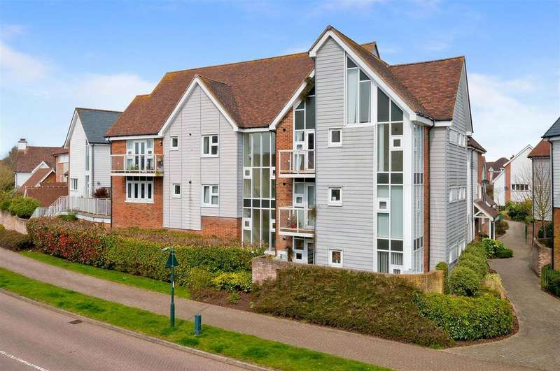 2 Bedrooms Apartment Flat for sale in Niagara Close, Kings Hill, ME19 4HR