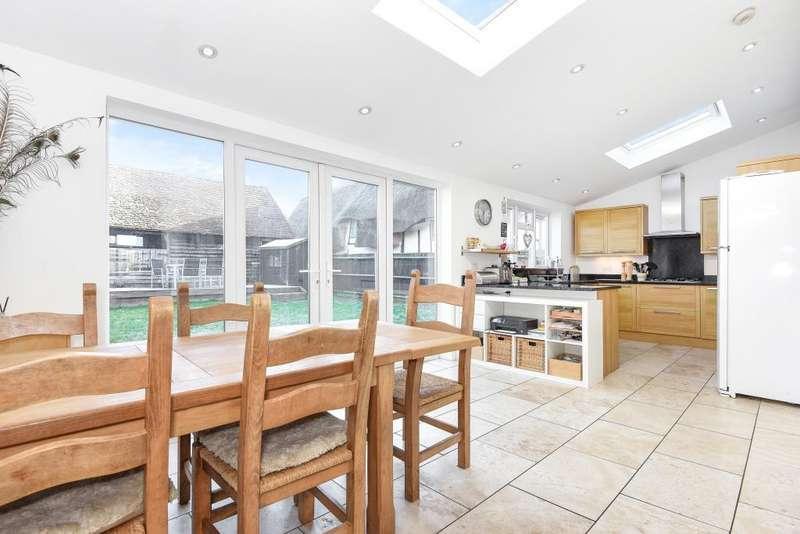 4 Bedrooms House for sale in Broughton Lane, Aylesbury, HP22