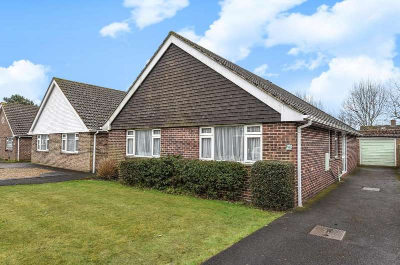 3 Bedrooms Detached Bungalow for sale in Cumberland Avenue, Emsworth, PO10
