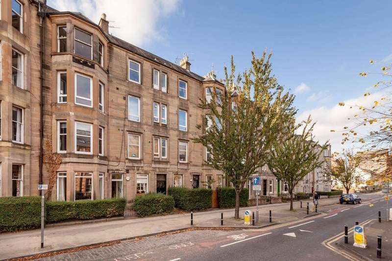 2 Bedrooms Flat for sale in 140 (2F3) McDonald Road, Edinburgh, EH7 4NL