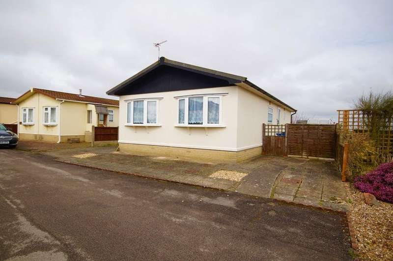 2 Bedrooms Park Home Mobile Home for sale in Stonecliff Park, Prebend Lane, Welton, Lincoln