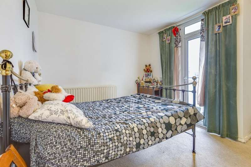 1 Bedroom Flat for sale in Radcliffe House, Anchor Street, London, SE16