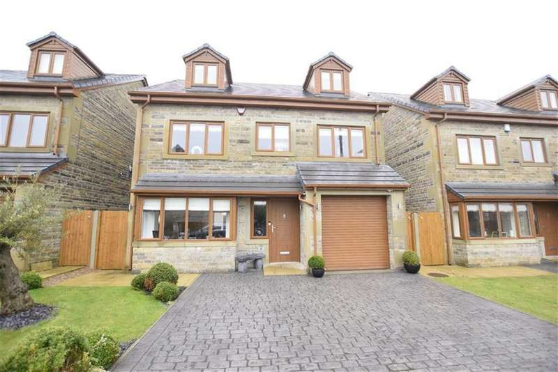 5 Bedrooms Detached House for sale in Woodland Garth, Rothwell, ROTHWELL, LS26