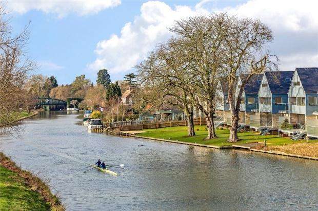 5 Bedrooms Detached House for sale in Water Street, Chesterton, Cambridge