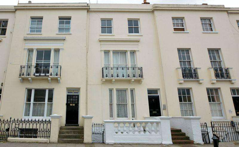 1 Bedroom Apartment Flat for sale in CENTRAL RYDE