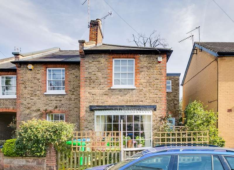 3 Bedrooms End Of Terrace House for sale in New Road, Ham
