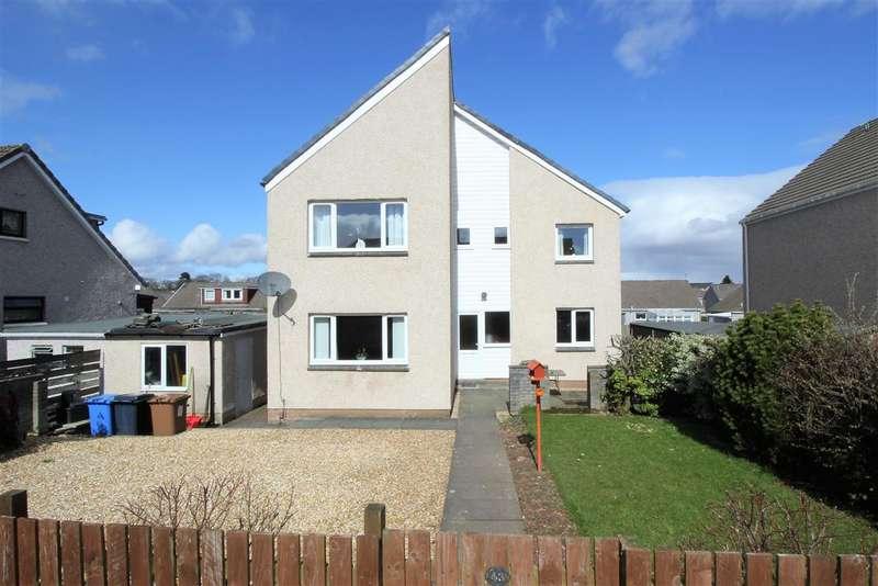 4 Bedrooms Detached House for sale in Muirhead Road,Stenhousemuir, Larbert