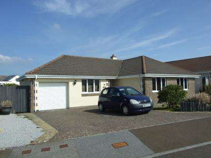 4 Bedrooms Bungalow for sale in Camelford, Cornwall, Uk