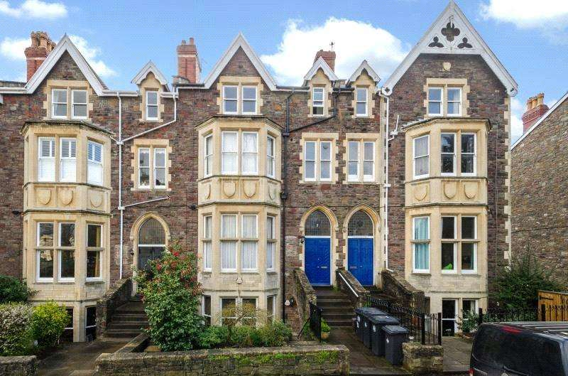 2 Bedrooms Flat for sale in Christchurch Road, Clifton, Bristol, BS8