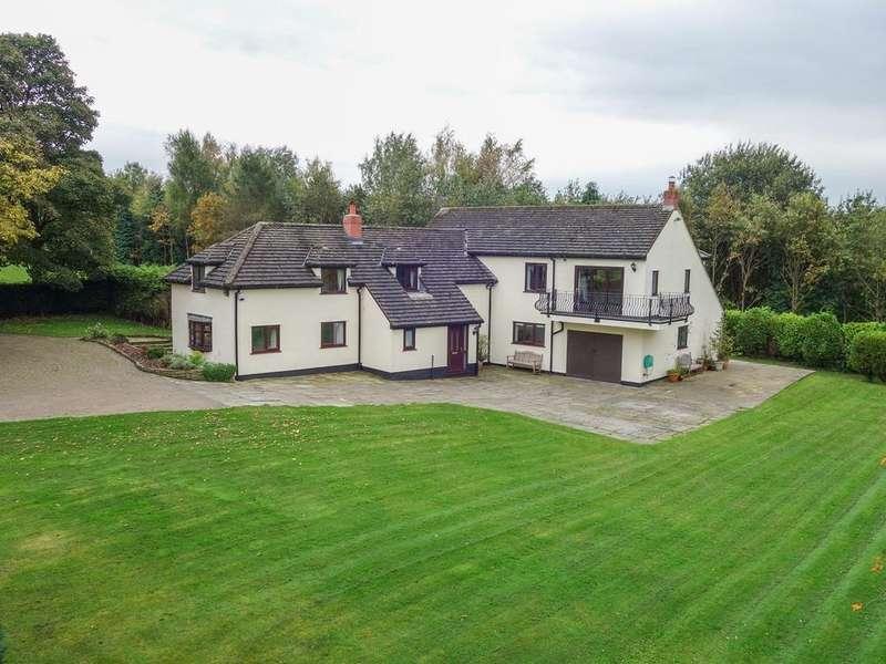 4 Bedrooms Detached House for sale in Threaphurst Lane, Hazel Grove, Stockport, SK7