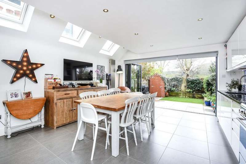 4 Bedrooms Terraced House for sale in Steerforth Street, Earlsfield