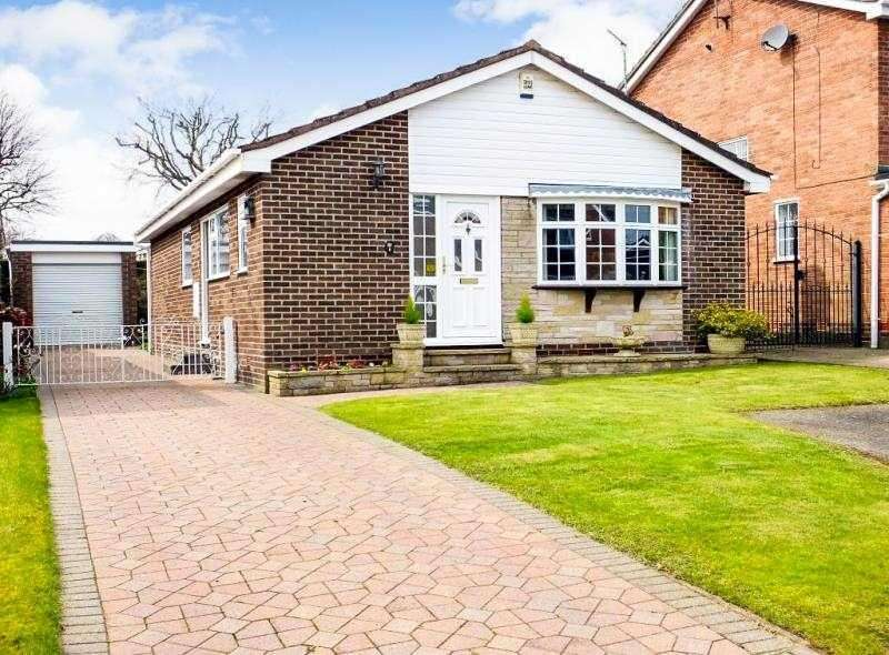 3 Bedrooms Bungalow for sale in Burbage Close, Dronfield Woodhouse, Derbyshire, S18 8ZE