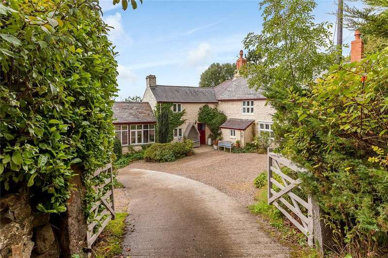 4 Bedrooms Detached House for sale in Rhes Y Cae Road, Hendre, Mold, Flintshire, CH7