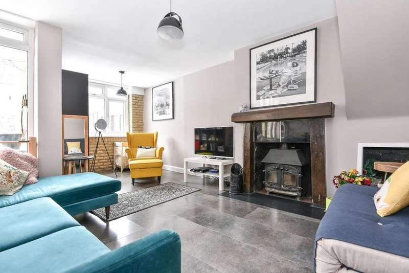 3 Bedrooms Terraced House for sale in College Green, Crystal Palace