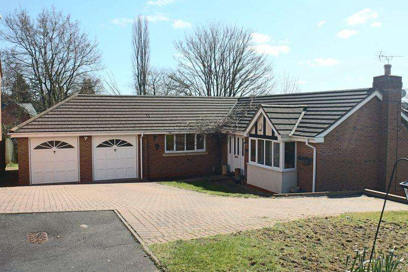 4 Bedrooms Detached House for sale in Masefield Close, Market Drayton