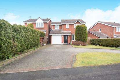 4 Bedrooms Detached House for sale in Tamar Road, Hockley, Tamworth, Staffordshire