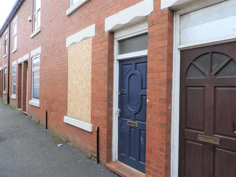 2 Bedrooms Terraced House for sale in Giles Street, Manchester