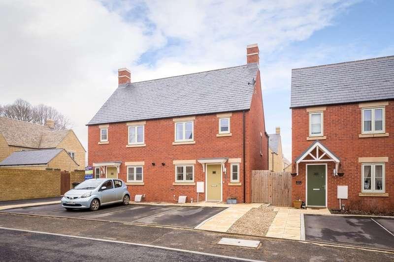 3 Bedrooms Semi Detached House for sale in Beechcraft Road, Upper Rissington, GL54 2QR