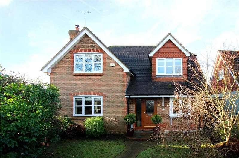 4 Bedrooms Detached House for sale in Harwoods Lane, East Grinstead, West Sussex