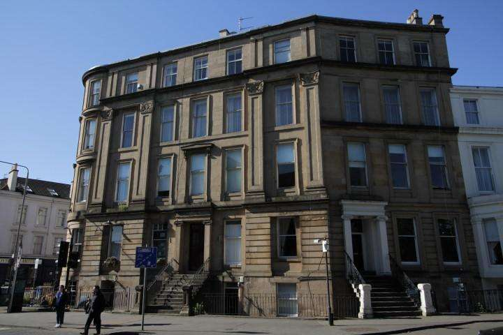2 Bedrooms Flat for sale in 24 Royal Crescent, Kelvingrove, G3 7SL