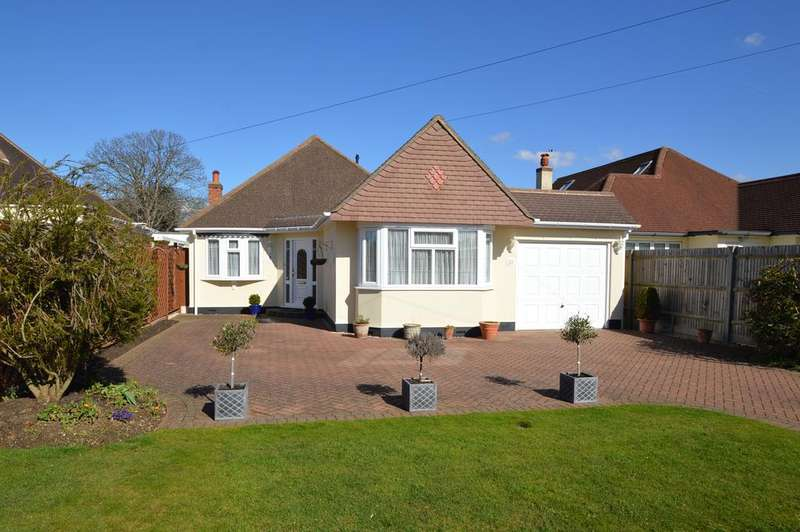 2 Bedrooms Detached Bungalow for sale in Ringmore Road, WALTON ON THAMES KT12