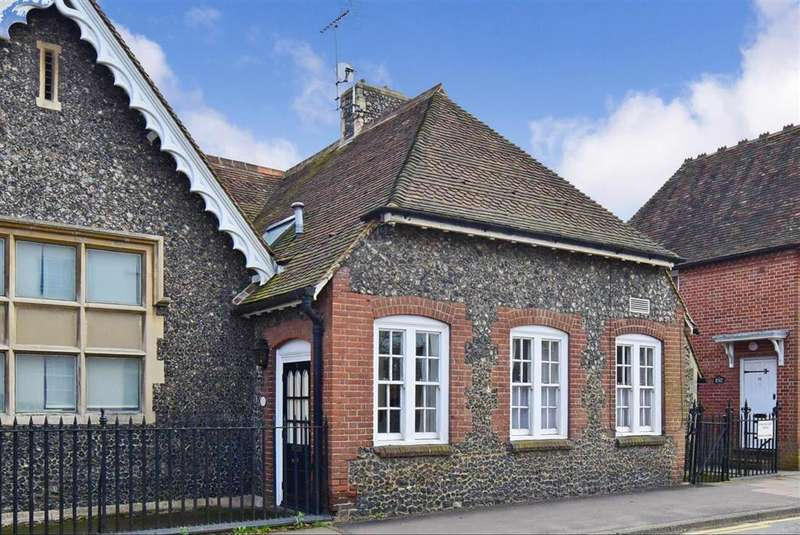 2 Bedrooms Cottage House for sale in St. Dunstans Court, , Canterbury, Kent
