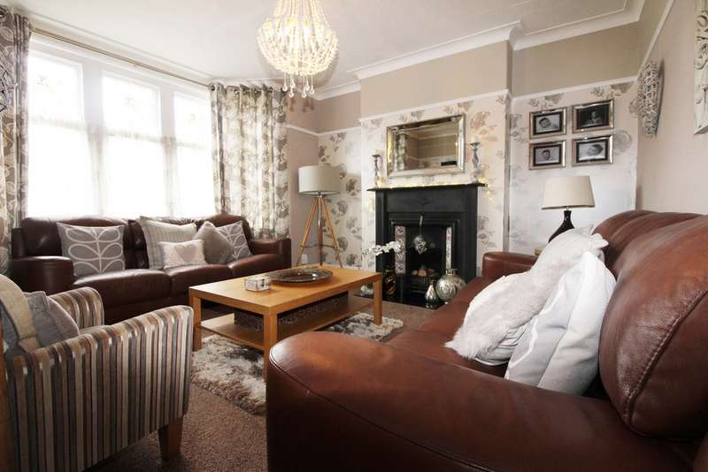 4 Bedrooms Property for sale in Princes Street, Roath, Cardiff