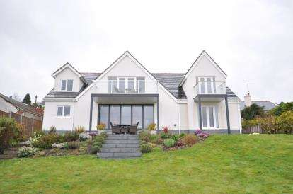 4 Bedrooms Detached House for sale in Pipers Lane, Heswall, Wirral, CH60