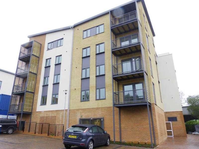 2 Bedrooms Flat for rent in Grade Close, Elstree