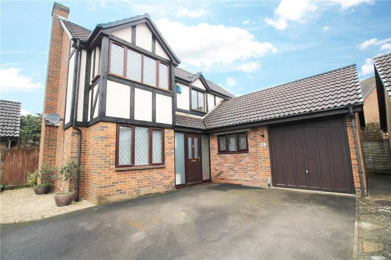 4 Bedrooms Detached House for sale in Almond Close, Wokingham, Berkshire, RG41