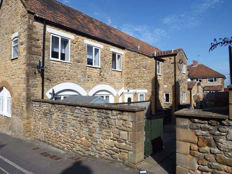 2 Bedrooms Apartment Flat for sale in Foundry Mews, Crewkerne