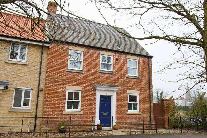 3 Bedrooms Terraced House for sale in Spring Lane, Bury St. Edmunds