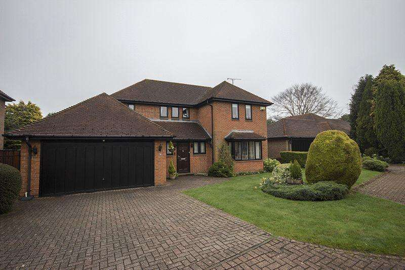 4 Bedrooms Detached House for sale in Greystoke Park, Gosforth Newcastle upon Tyne