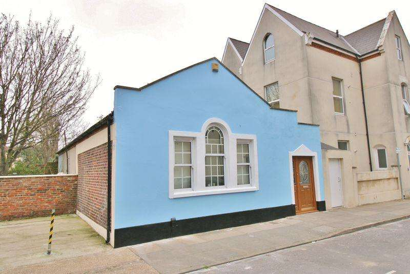 2 Bedrooms Bungalow for sale in Margate Road, Southsea