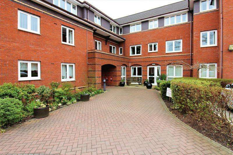 1 Bedroom Apartment Flat for sale in Long Lane, Upton