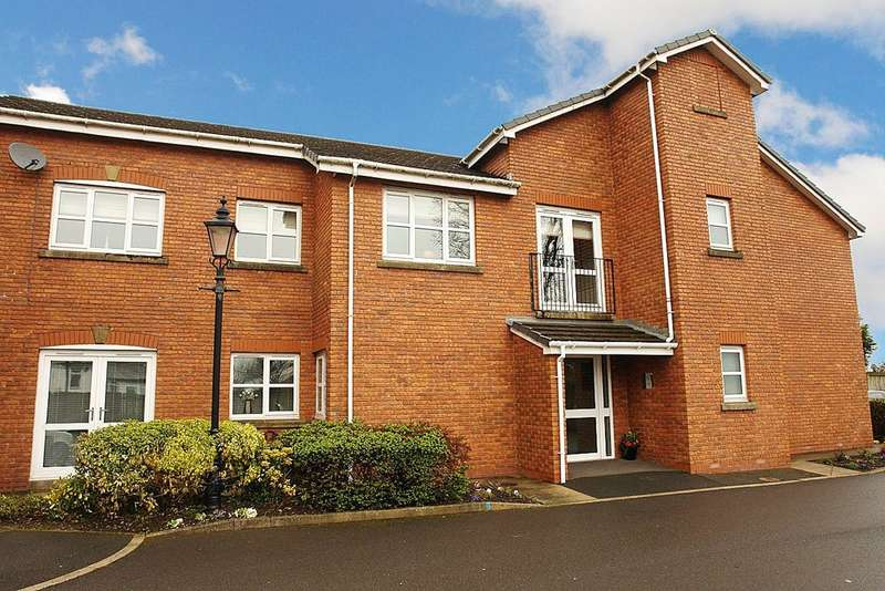 2 Bedrooms Flat for sale in The Brock, High Crompton, Shaw