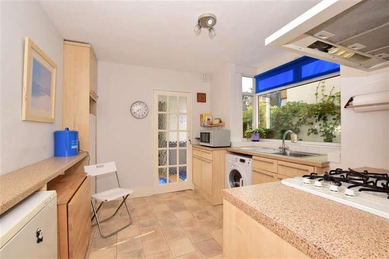 3 Bedrooms Terraced House for sale in Church Road, Leyton, London