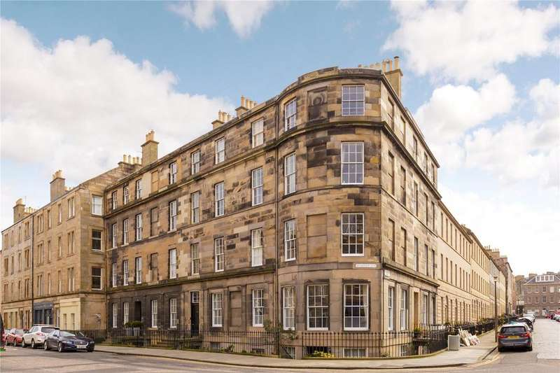 3 Bedrooms Flat for sale in 115/2 Henderson Row, Stockbridge, Edinburgh, EH3